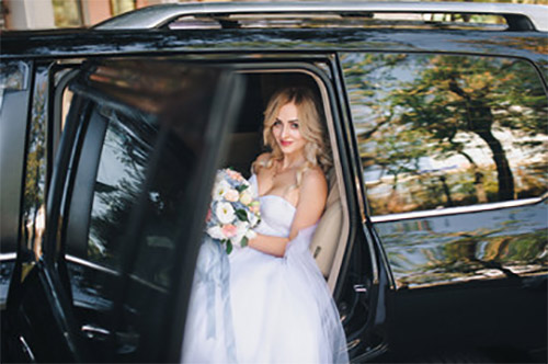 auto con autista per matrimonio